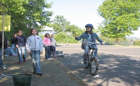 Fahrradwerkstatt Projekt Modul 6 Fahrradparcours Ballwurf Sekundarstufe Verkehrserziehung Mobilitaetsbildung