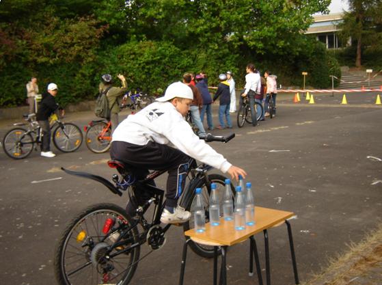 Fahrradwerkstatt Projekt Modul 6 Fahrradparcours Flaschentransport Sekundarstufe Verkehrserziehung Mobilitaetsbildung