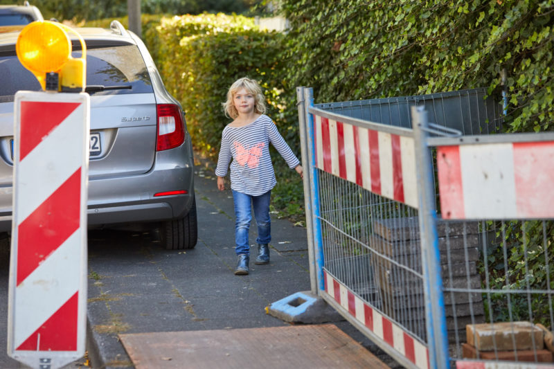 Gefahren Schulweg Sehen Verkehrserziehung Grundschule Kinder Mobilitätsbildung Hindernisse