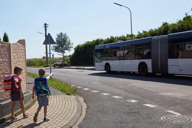 Gefahren Meistern Busfahren Bus Bahn Verkehrssicherheit Schulweg Verkehrserziehung Haltestelle Klasse 2
