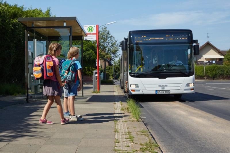 Gefahren Meistern Busfahren Bus Bahn Verkehrssicherheit Schulweg Verkehrserziehung Klasse 2 Haltestelle