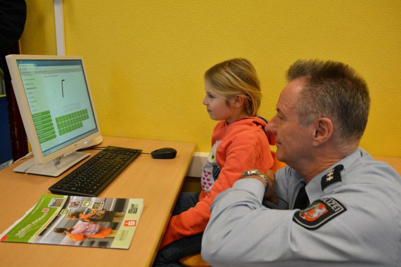 Gefahren Meistern Oberhausen Auftaktveranstaltung Online Lernen Grundschule Verkehrssicherheit Verkehrswacht