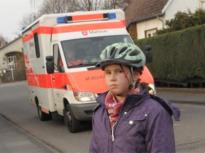 "Film ""Fahrradhelm macht Schule"""