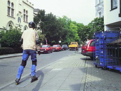 Skater und Autofahrer