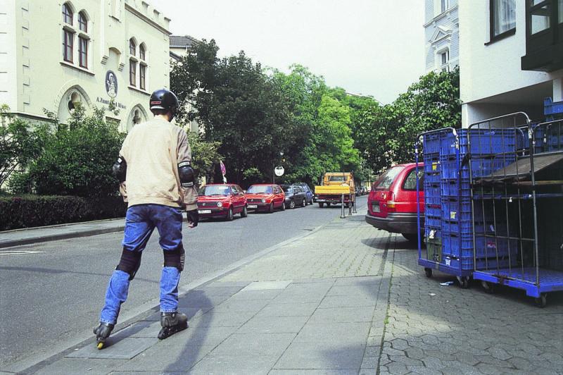 Inline Skaten Skater Und Andere Verkehrsteilnehmer Autofahrer Pkw Ausfahrt Sekundarstufe Verkehrserziehung Mobilitaetsbildung