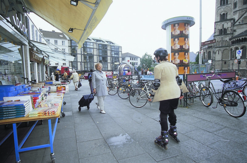 Inline Skaten Skater Und Andere Verkehrsteilnehmer Fussgaenger Gehweg Sekundarstufe Verkehrserziehung Mobilitaetsbildung