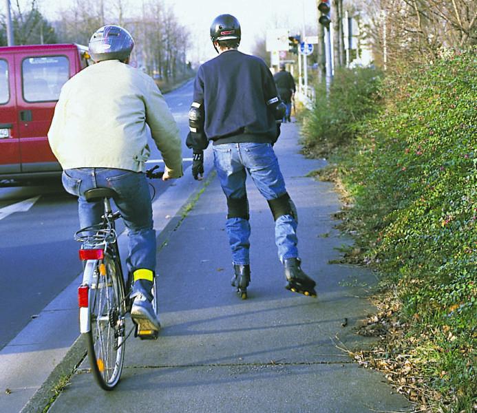 Inline Skaten Skater Und Andere Verkehrsteilnehmer Radfahrer Radler Sekundarstufe Verkehrserziehung Mobilitaetsbildung