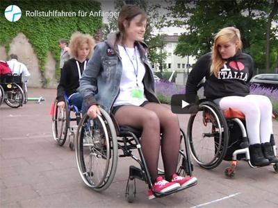 Rollstuhlparcours II – Rollstuhl fahren