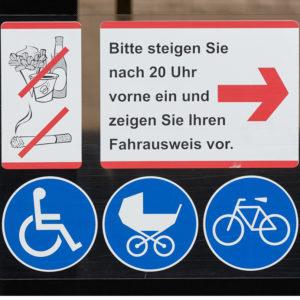 Mobil Teilhaben Bus Fahren Lernen Symbol Symbolstreifen An Busfenster