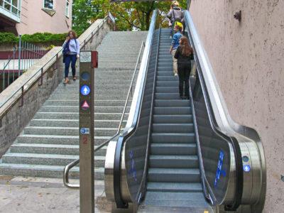 Mobil Teilhaben Rollstreppe Rechts Stehen 2