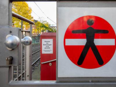 Mobil Teilhaben Verkehrserziehung Geistige Behinderung Bahn Fahren Lernen Durchgang Verboten Foto Rendel Freude