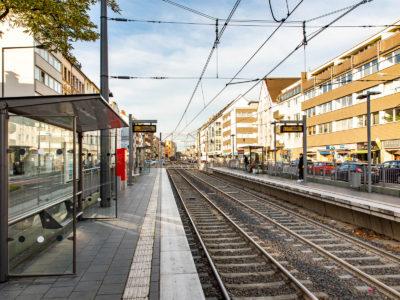 Mobil Teilhaben Verkehrserziehung Geistige Behinderung Bahn Fahren Lernen Logo Straßenbahnhaltestelle Foto Rendel Freude