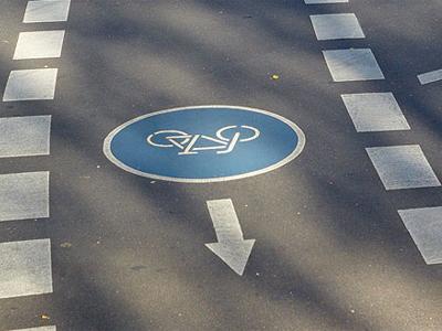 IV. Verkehrszeichen und -regeln kennen