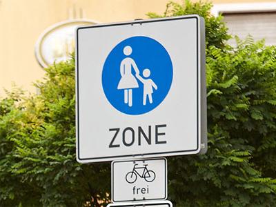 Regeln und Verkehrszeichen