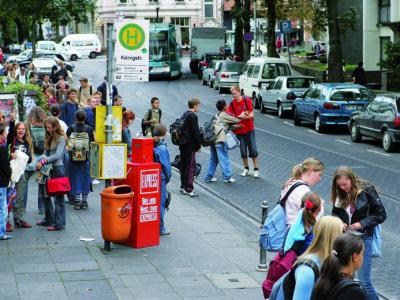 Peer Projekt Schulbusbegleiter Schulwegsicherheit Haltestelle Chaos Sekundarstufe I Verkehrserziehung Mobilitaetsbildung