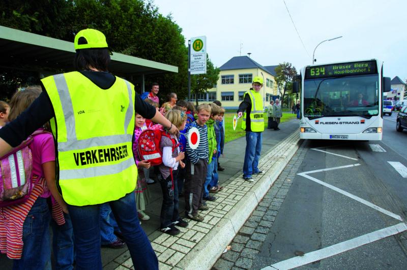 Peer Projekt Schulbusbegleiter Schulwegsicherheit Haltestelle Sekundarstufe I Verkehrserziehung Mobilitaetsbildung