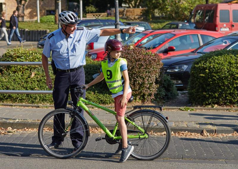 Radfahrausbildung Übungsprogramm Grundschule Klasse 4 Polizei Straßenverkehr Verkehrserziehung