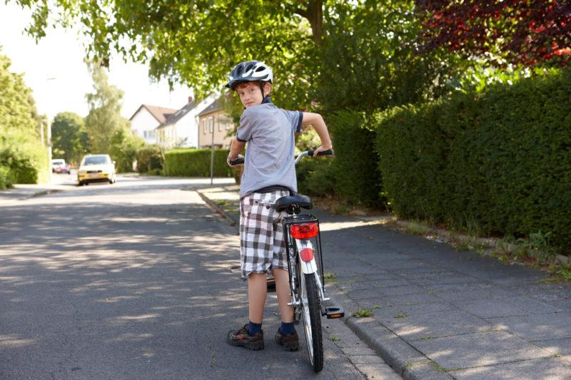 Radfahrausbildung Aufsteigen Aufs Fahrrad Richtige Seite Straßenverkehr Verkehrserziehung Grundschule Radfahren