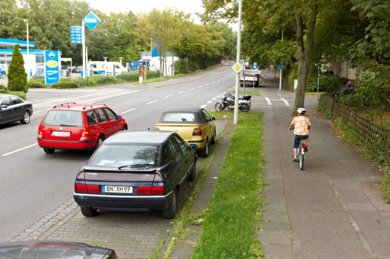 Radschulweg Abbiegende Pkw Queren Radweg Wege Gefahren Sekundarstufe Verkehrserziehung Mobilitaetsbildung