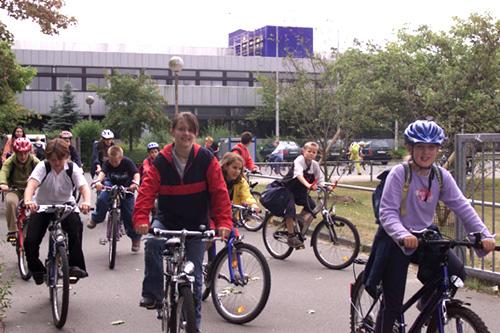 Radschulweg Unterrichtsanregung Fahrradhelm Helmpflicht Radfahren Sekundarstufe Verkehrserziehung Mobilitaetsbildung