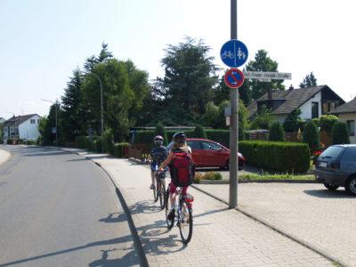 Mit dem Rad zur Schule