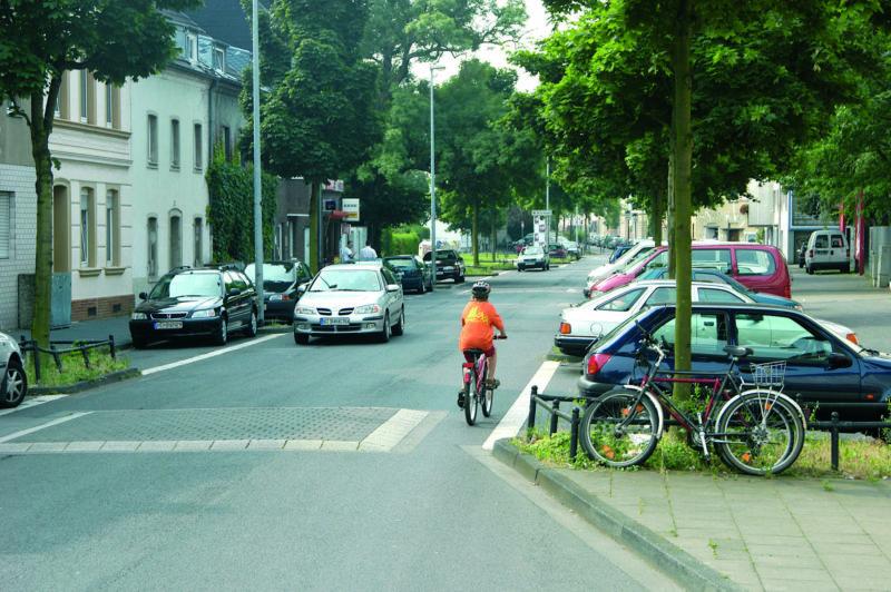 Radschulweg Unterrichtsanregung Verkehrssicherheit Partnerintervier Aufpflasterung Sekundarstufe Verkehrserziehung Mobilitaetsbildung Kopie