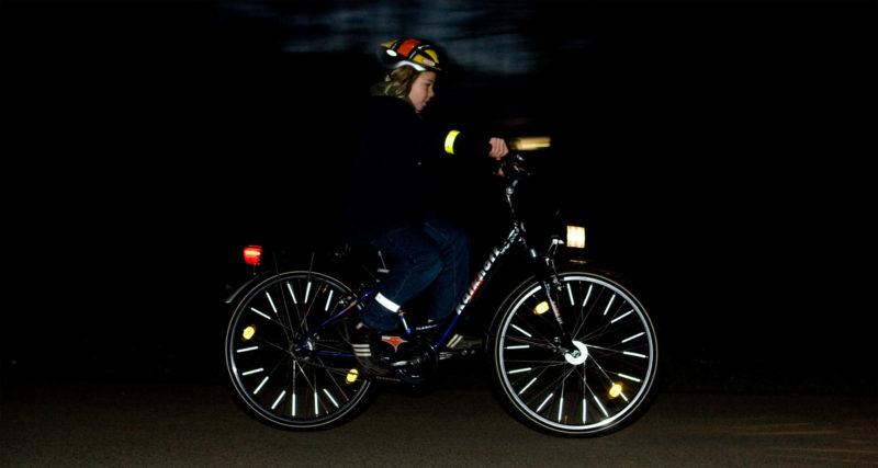 Radschulweg Verkehrssicheres Fahrrad Verkehrserziehung Mobilitaetsbildung Was Muss Ein Rad Haben Beleuchtung Speichenclips Speichenreflektoren