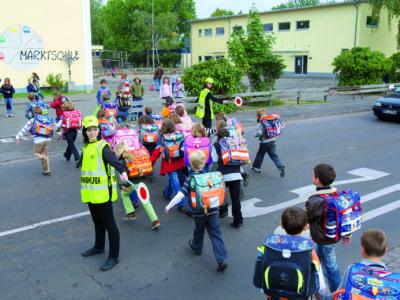 Schülerlotsen Ab Ue 1 4 Verkehrshelfer Ausbildung Übungseinheit 1 Aufgaben Sicherung Übergang Einsteigen