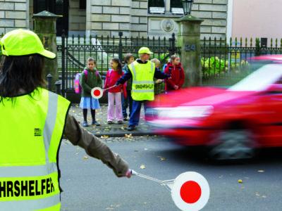 Schülerlotsen Ab Ue 5 2 Verkehrshelfer Ausbildung Übungseinheit 5 Sicherung Überweg Warten Lücke