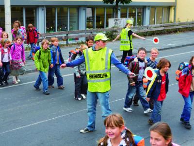 Schülerlotsen Ab Ue 5 4 Verkehrshelfer Ausbildung Übungseinheit 5 Sicherung Überweg Warten Lücke Übergang