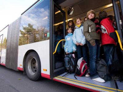 Schulweg mit dem Bus