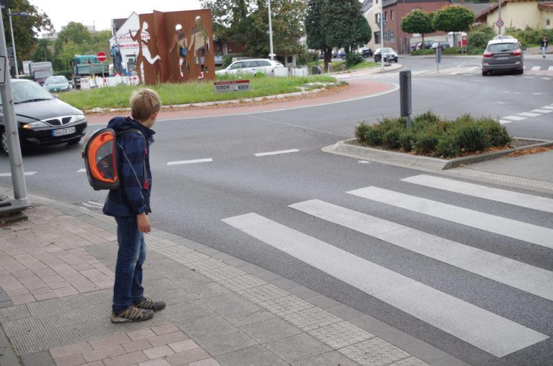 Schulweg Klasse 1 Schulwegwahl Verkehrserziehung Kreisverkehr