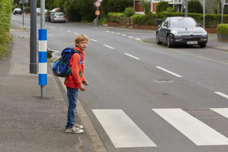 Schulweg Klasse 1 Schulwegwahl Verkehrserziehung Zebrastreifen