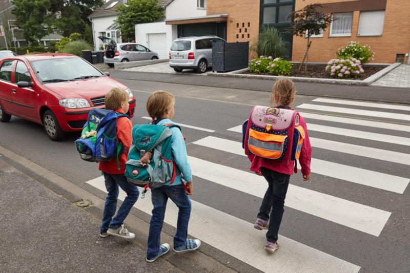Schulweg Verkehrserziehung Klasse 1 Grundschule Verkehrssicherheit