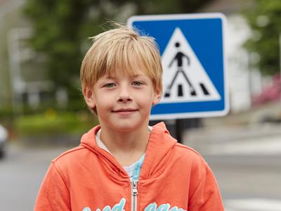 Kinder im Straßenverkehr: Was Grundschulkinder können – und was nicht