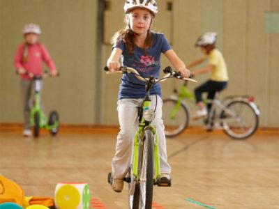 Velofit Bewegung Motorik Bewegungsförderung Körperbewusstsein Grundschule Übungen Fahrrad