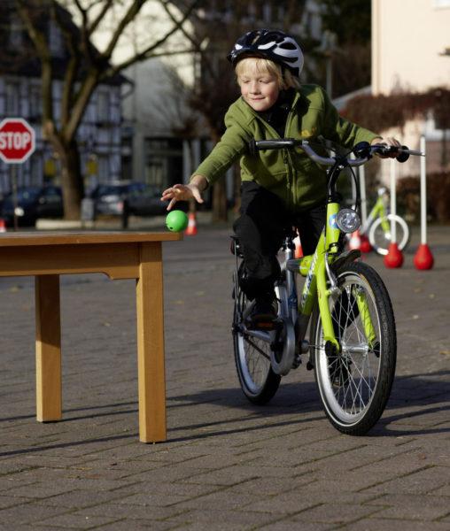 Velofit Bewegung Motorik Fahrrad Gleichgewicht Verkehrserziehung Grundschule Radfahrausbildung