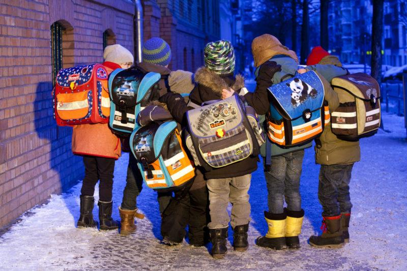 Verkehrserziehung Kinder Ranzen Schulranzen Sichtbarkeit Reflexmaterial Stiftung Warentest