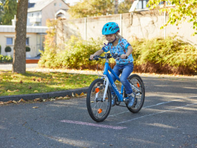 Laufrad, Roller, Kinderfahrrad - Rad fahren lernen