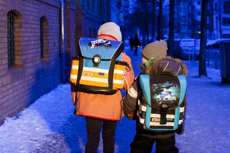 Verkehrserziehung Ranzen Kinder Schulranzen Sichtbarkeit Reflexmaterial Stiftung Warentest